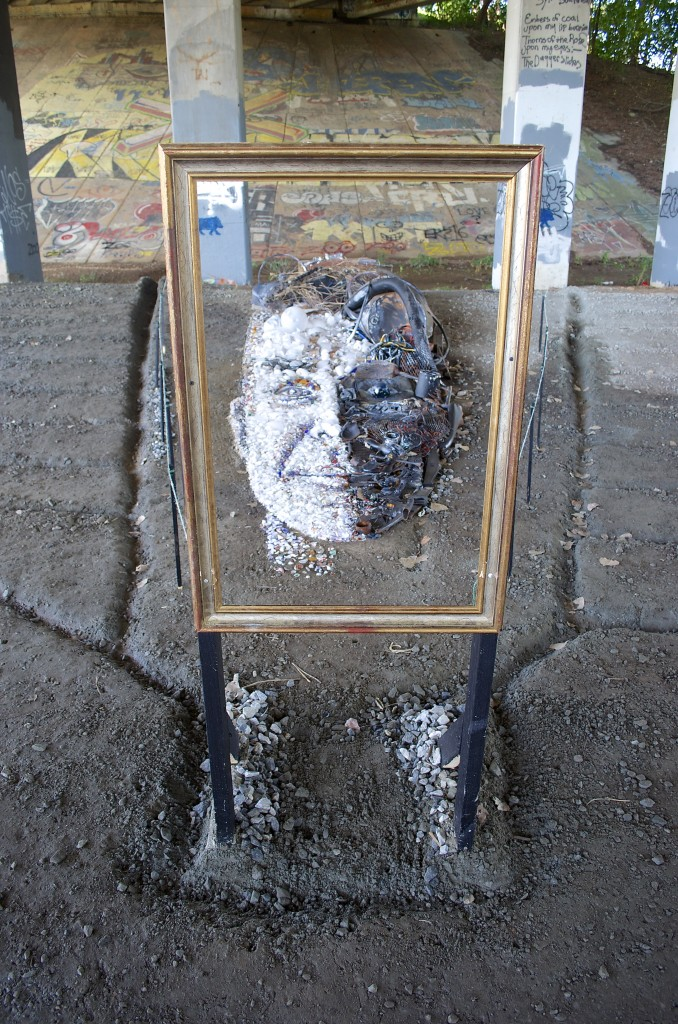 ...a man's face! It is a man's face! Unbelievable and quite impressive!