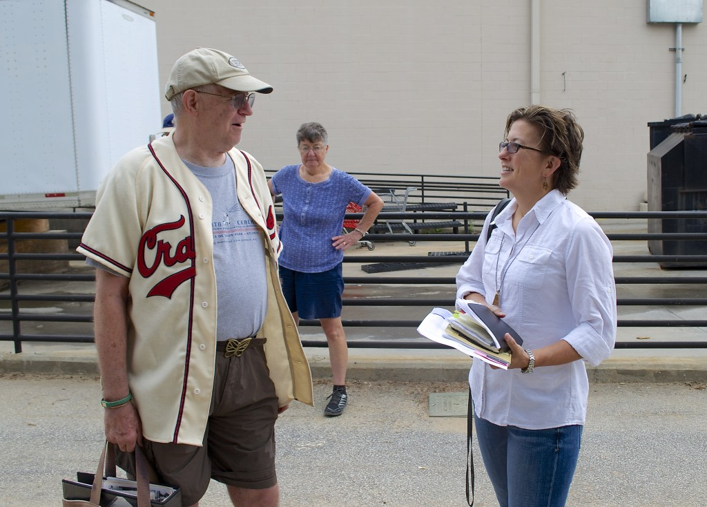 Oreon Mann chats with VHCA board VP and history/preservation committee chair Lola Carlisle.
